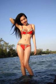 Elly Tran Ha more bikini pictures