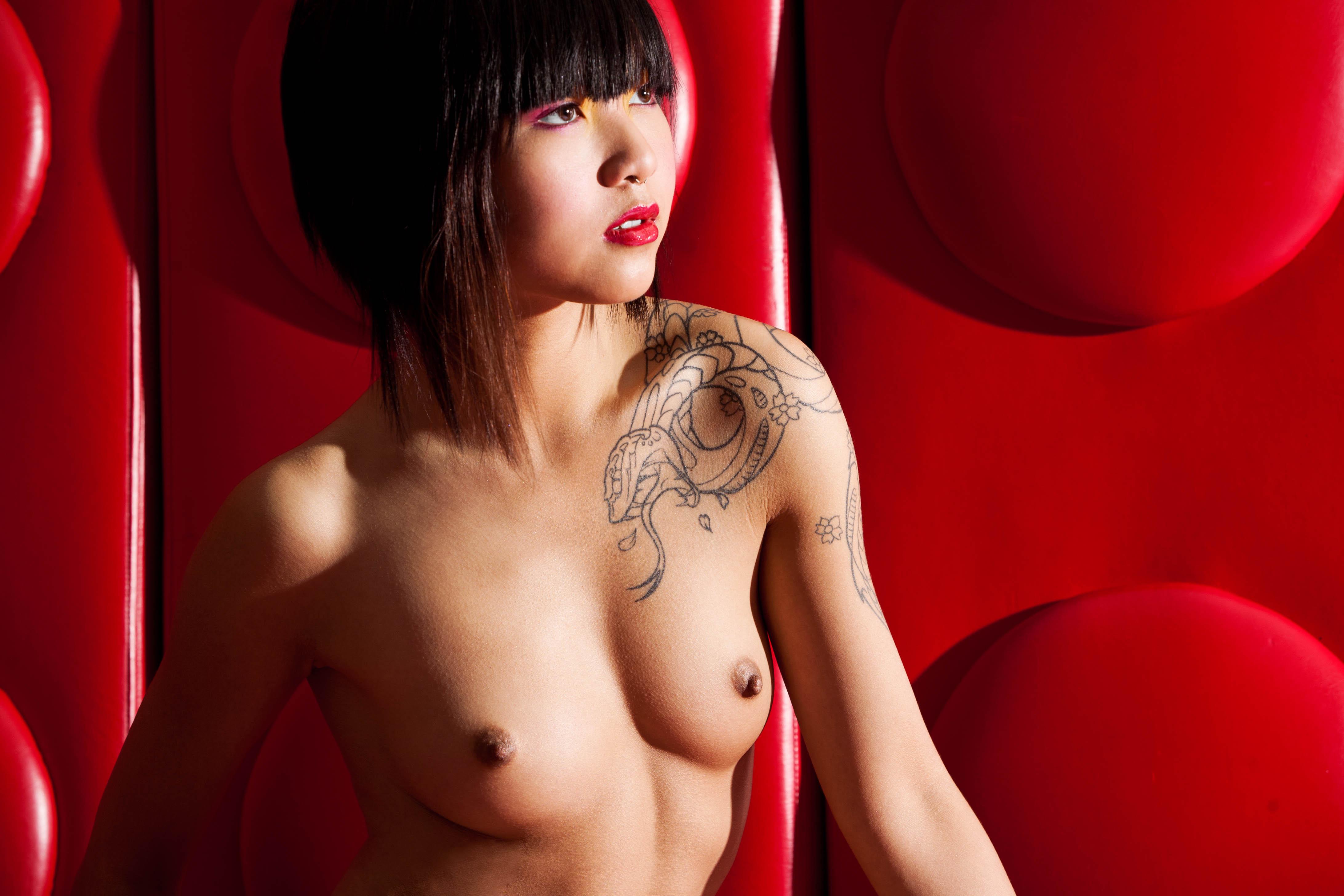 Mature naked vietnamese blonde