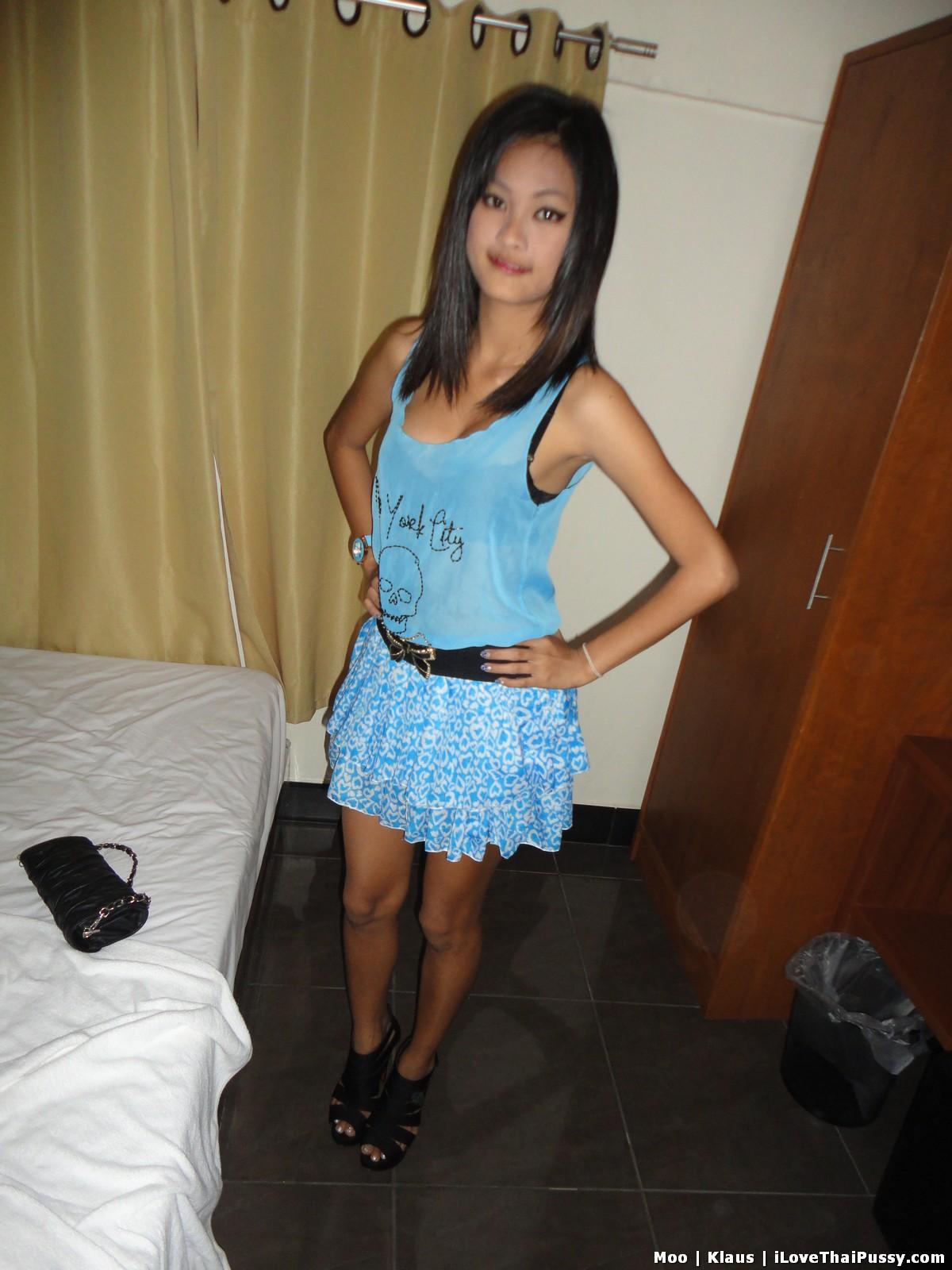 http://teensinasia.com/wp-content/uploads/2012/06/shy_pattaya_girl_moo_24.jpg