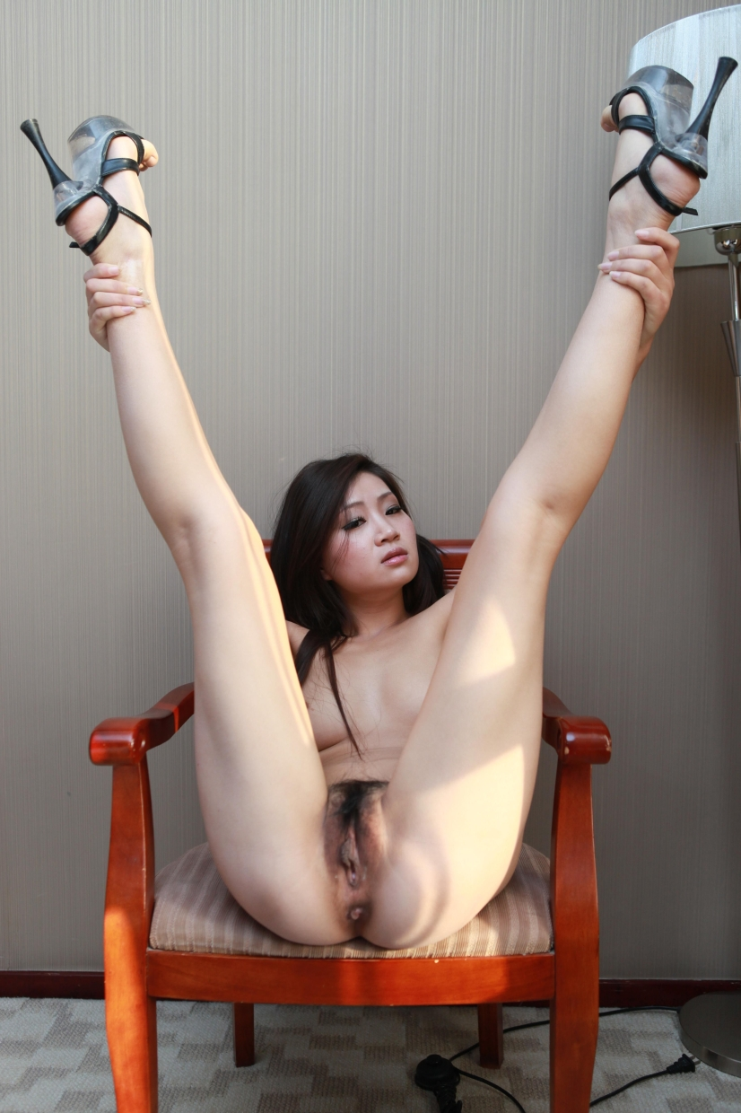 Asian gymnaist nude
