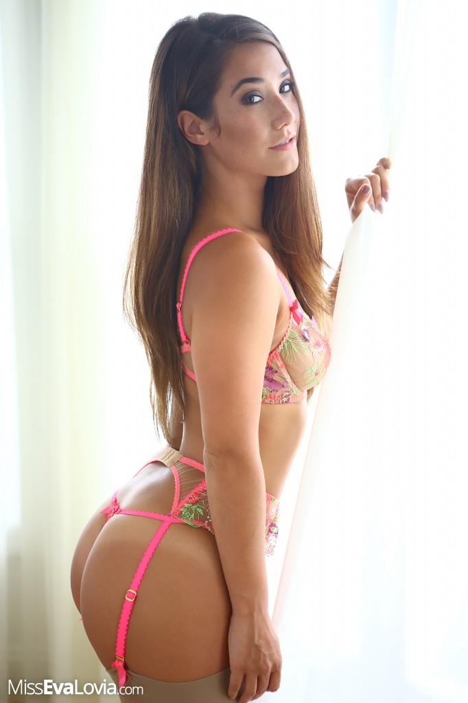 horny asian pussy solo -