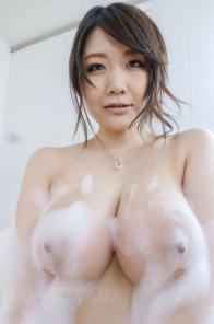 Busty Japanese Rie Tachiwara Naked Bubblebath