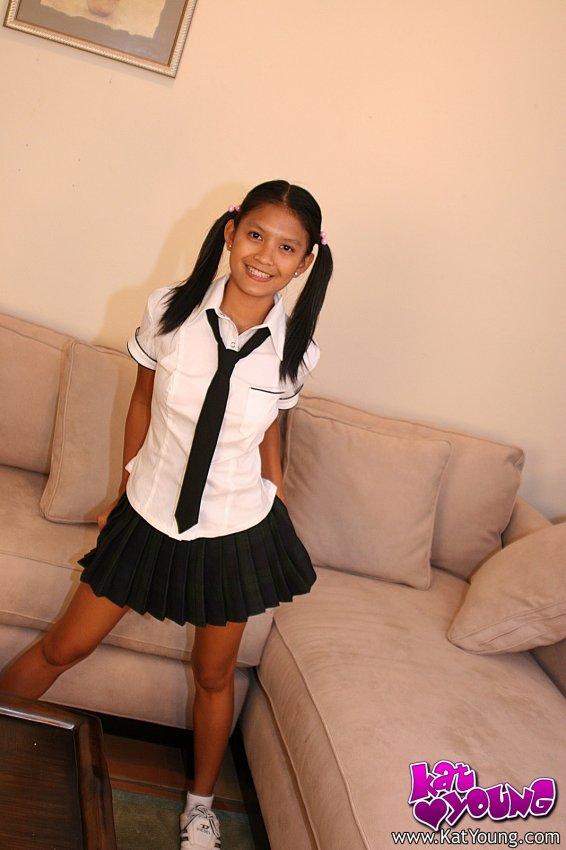 Cute Little Asian Schoolgirl Kat Young - Teens In Asia-8219