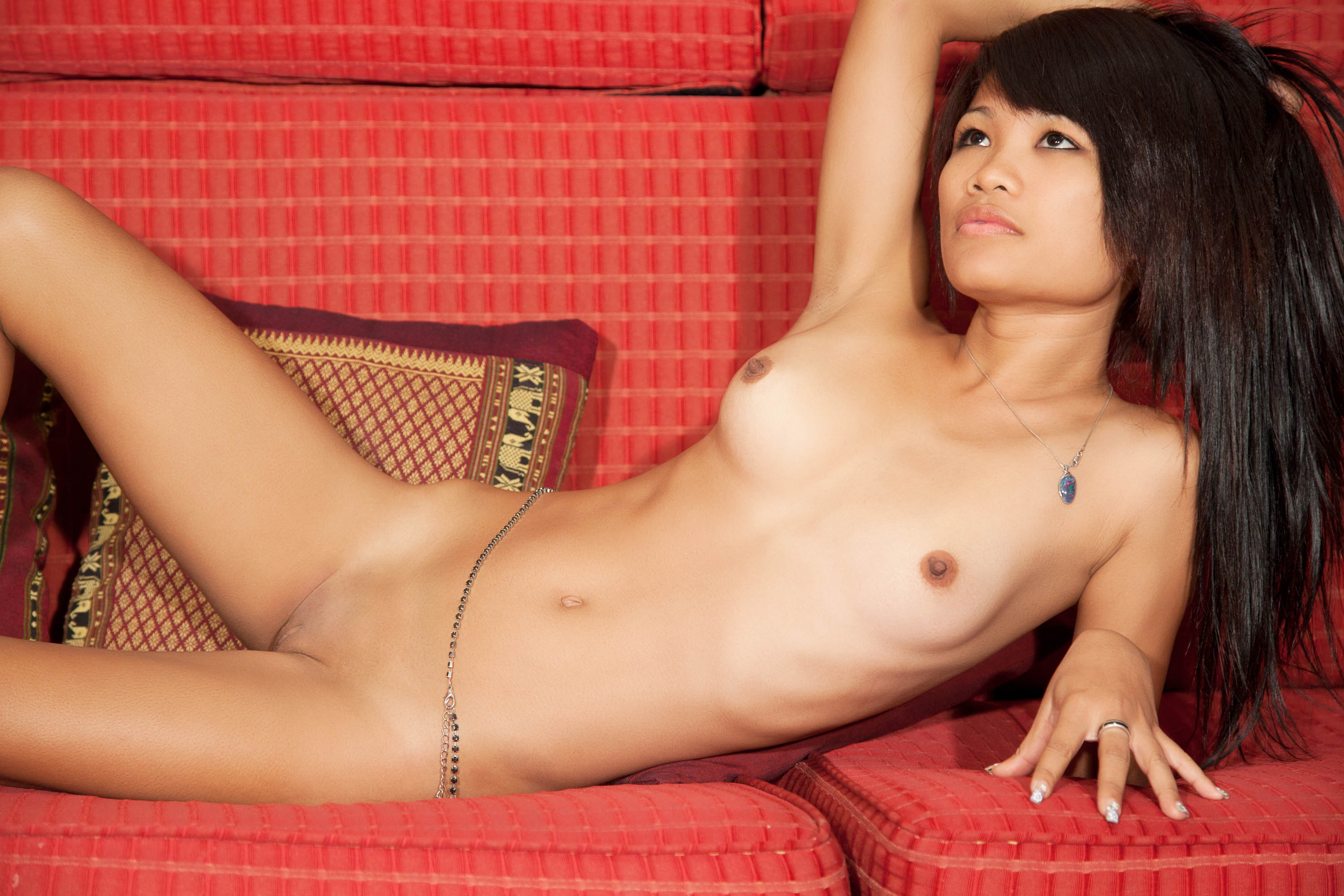 Asian girl masterbates on webcam 4