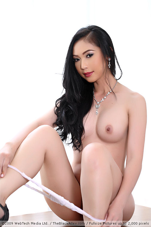 Lin si yee nude pix 9