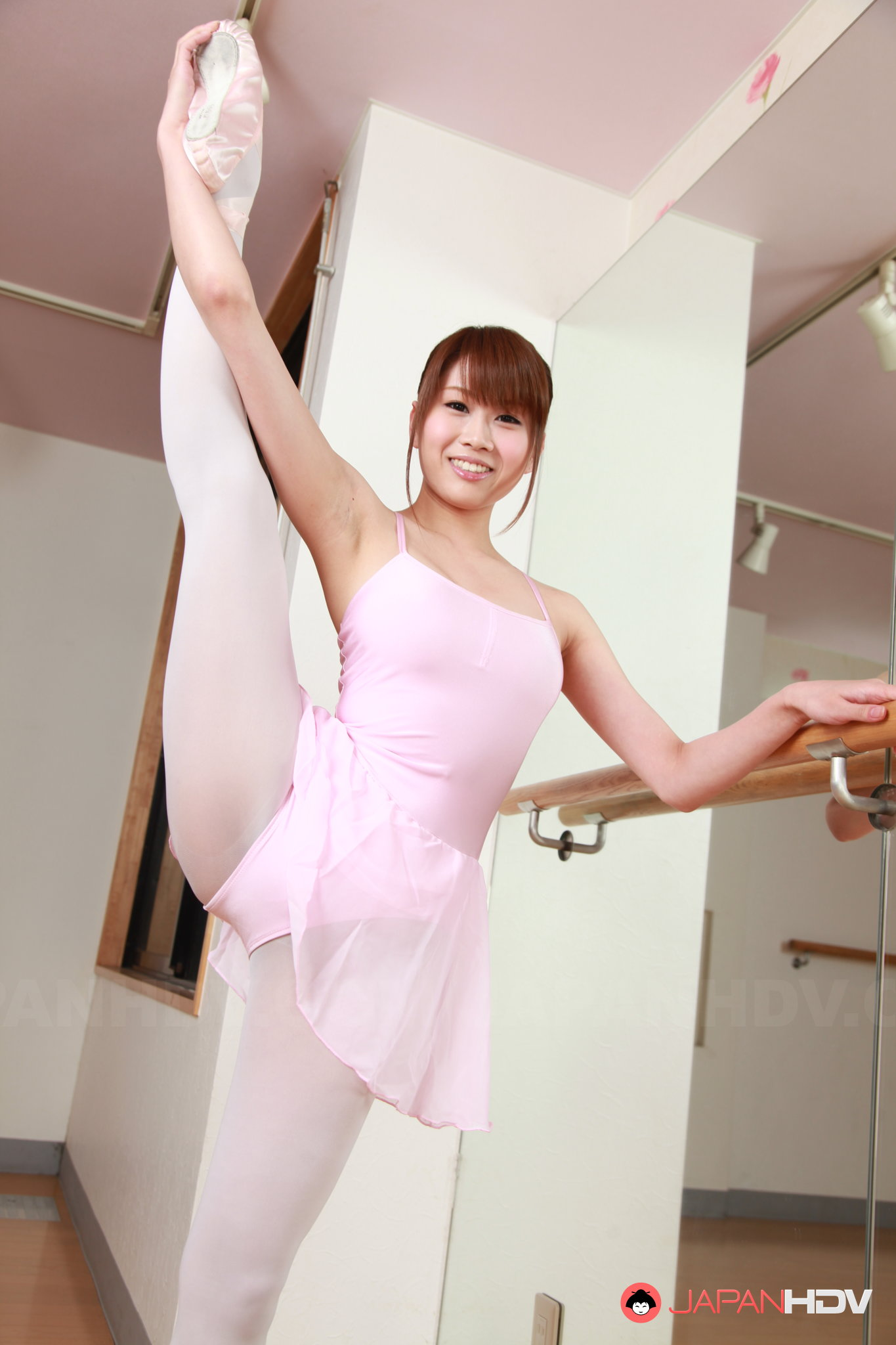 image Upskirts japanese girls 7 automatic machines for dances nv
